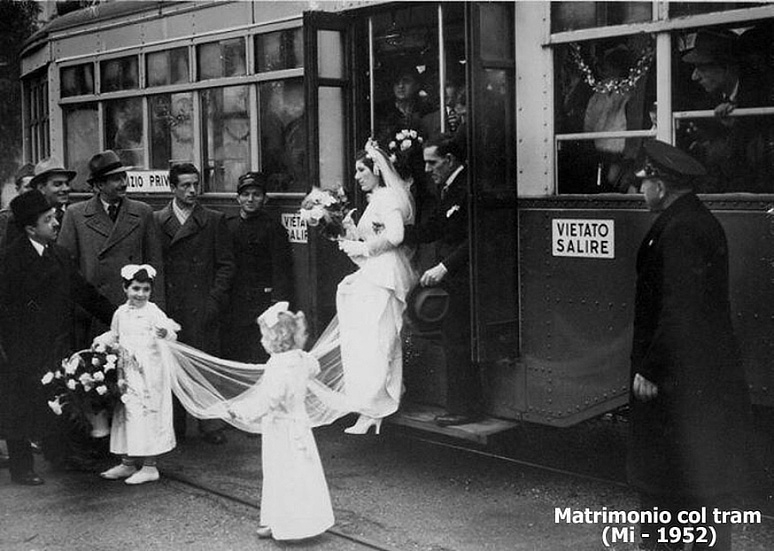 012-matrimoni-col-tram