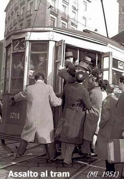 016-assalto-al-tram